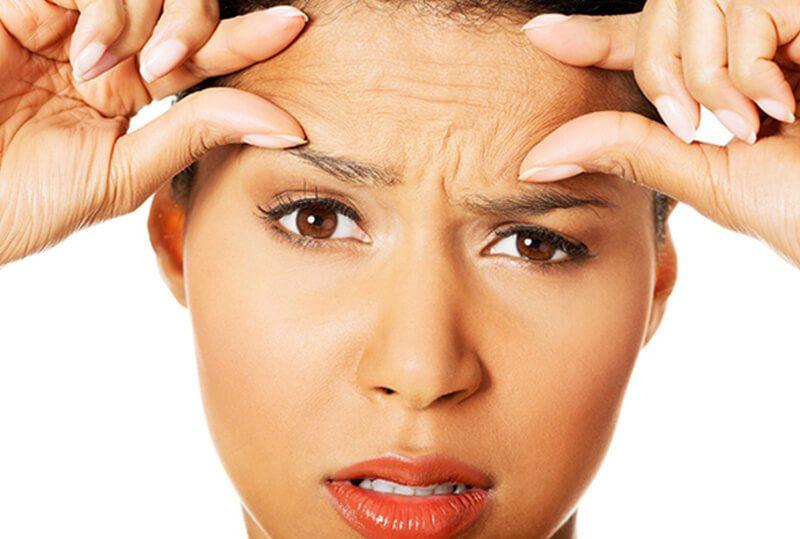 Mặt nạ vàng 24k có thể làm giảm các nếp nhăn, đường chân chim và đốm da mặt