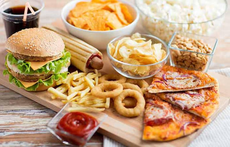 Thức ăn nhanh: Khoai tây chiên, burgers, khoai tây chiên, Pizza