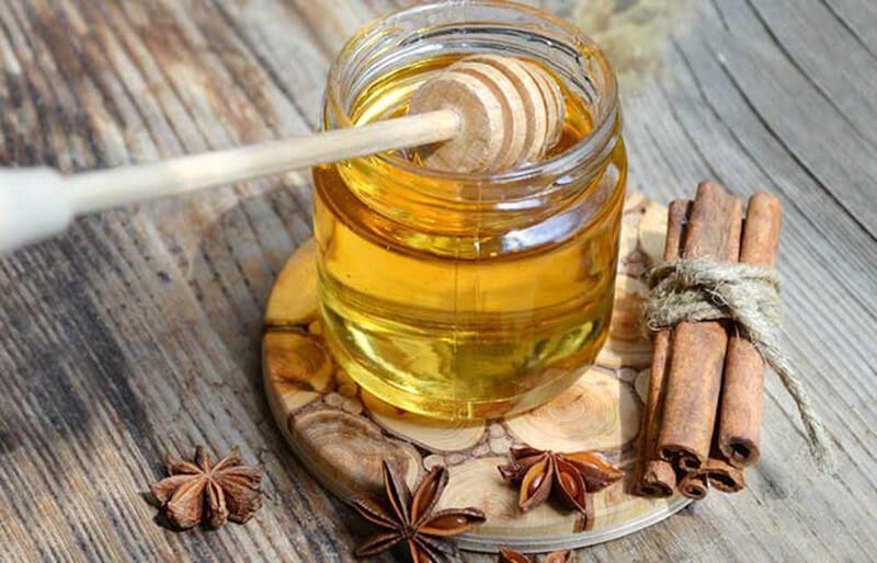 bột quế và mật ong