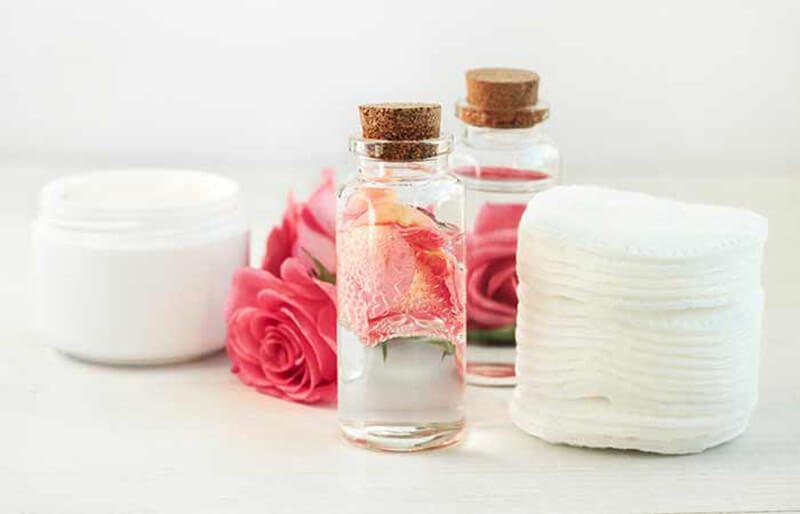 Nước hoa hồng xịt mặt trị mụn